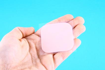 Timbre contraceptif traitement d finition for Autocollant definition